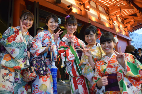 Buy real time translation device to impress these beautiful Japanese girls