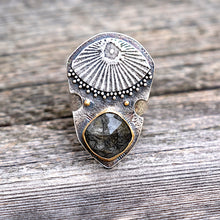 Load image into Gallery viewer, Tourmalinated quartz apotropaic shield ring with 22k gold and oxidized silver