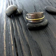 Load image into Gallery viewer, gold and oxidized silver men's and women's band ring with a botanical pattern. side view