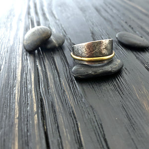 19k gold and blackened silver unisex band ring with a botanical texture