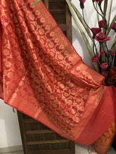 Load image into Gallery viewer, Banarasi Cotton Silk Dupatta With Floral Jaal In Zari - Red