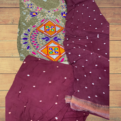 Bandhani with Kutch embroidery unstitched suit