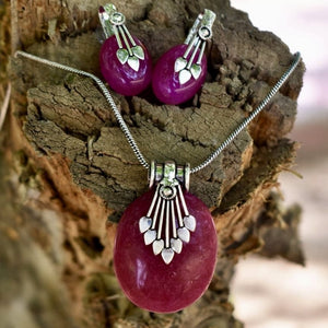 Oxidized Metal and Stone Pendant Set With Button Earrings - Dark Pink. - Phulari