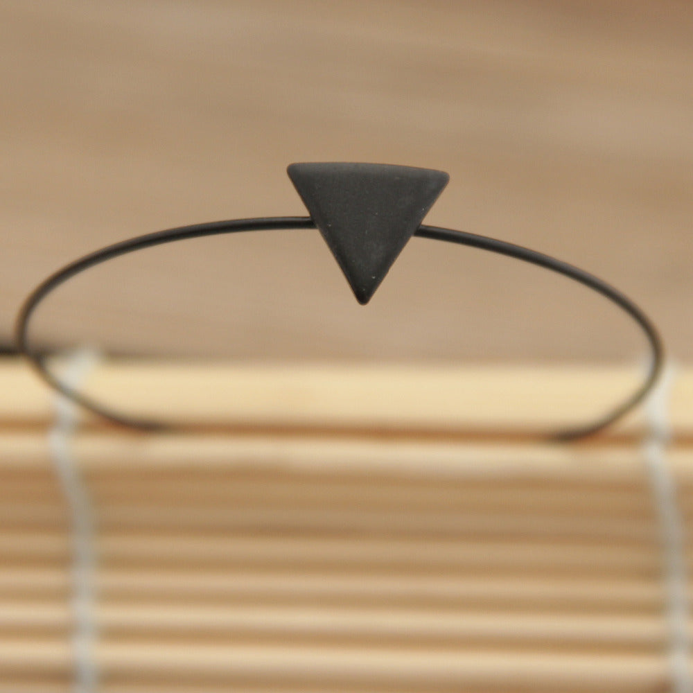 Triangle Cuff - Minisque