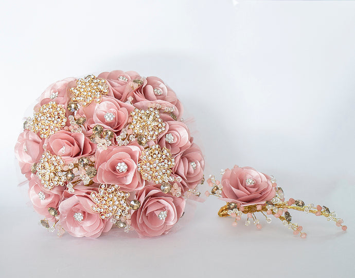 Quinceanera Flower Bouquet. Dusty Pink and Gold.
