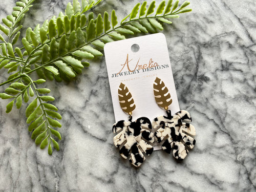 ~Carved Black & White Leaves with Gold Leaf Fasteners~ - September Nail Salon