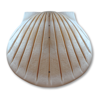 "Seashell cremation urns for water burial in sand finish. Large size. Dim: 16"" L x 16"" W x 6.25"" H, and Capacity 400 Cubic Inches."