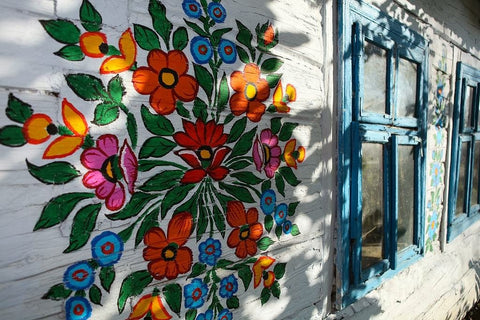 floral motive painted on the wall of the house