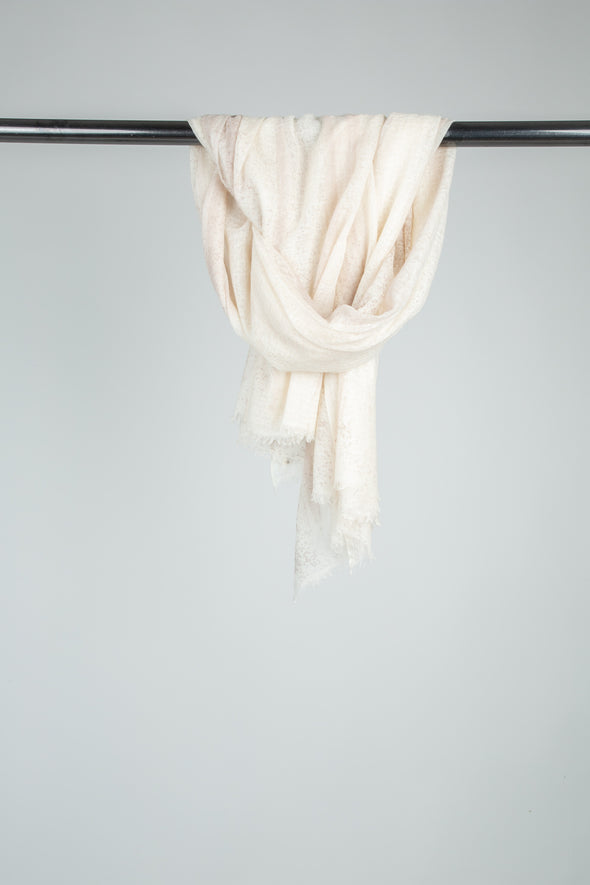 MAILA SCARF IN HAND-DYED CASHMERE