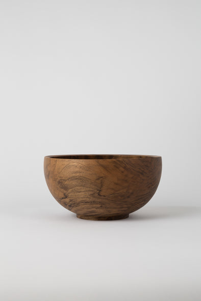 HAND CRAFTED ENGLISH WALNUT ROUND BOWL