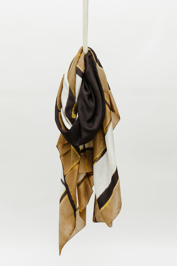 FRAME SCARF IN SILK