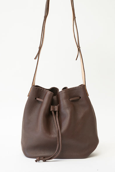 IVA BUCKET BAG IN LEATHER
