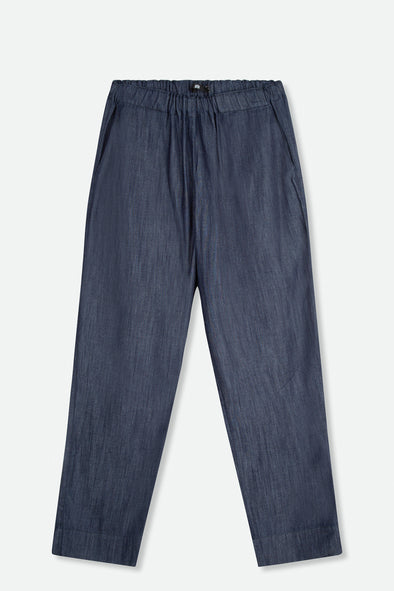 NARROW LEG PANT IN LIGHTWEIGHT STRETCH DENIM