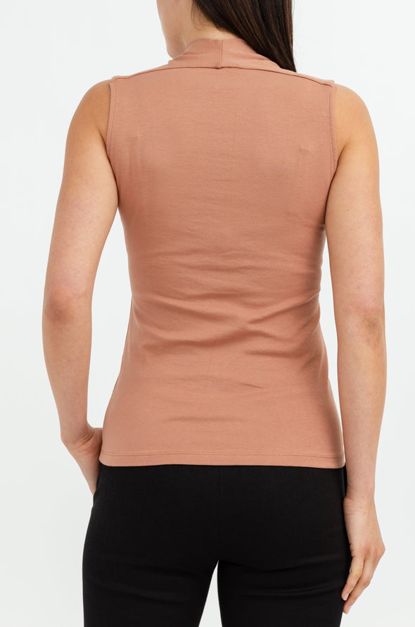 SLEEVELESS CONTOUR V IN PIMA COTTON STRETCH