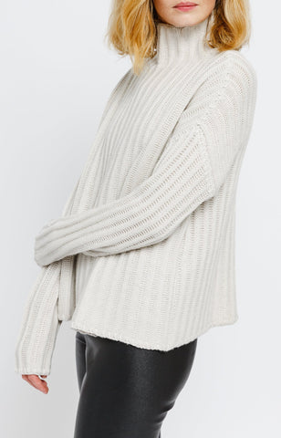 Cropped Ribbed Turtleneck