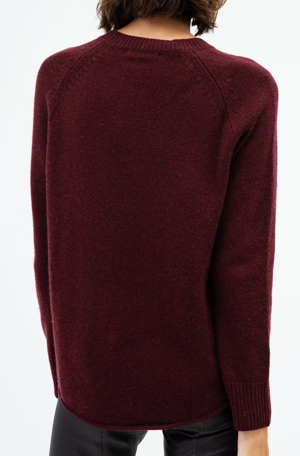 THE CURVED HEM SWEATER IN MERINO CASHMERE