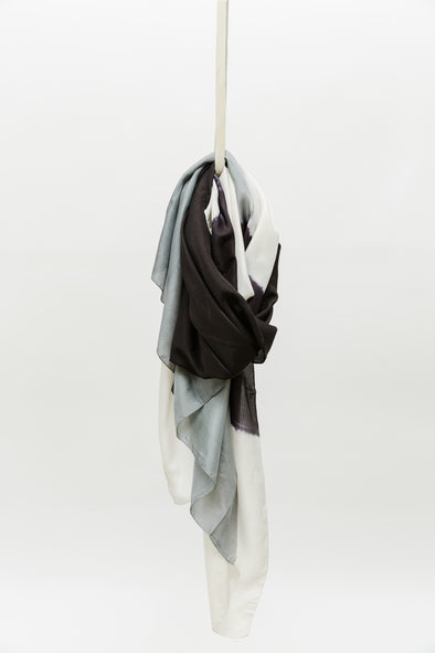 MINIMAL SCARF IN SILK