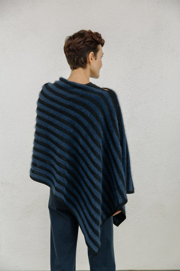 COLLETTE WRAP IN MERINO-CASHMERE BLEND