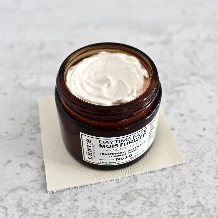 DAY FACE MOISTURIZER W/ NATURAL SUNSCREEN - Radiant Roots