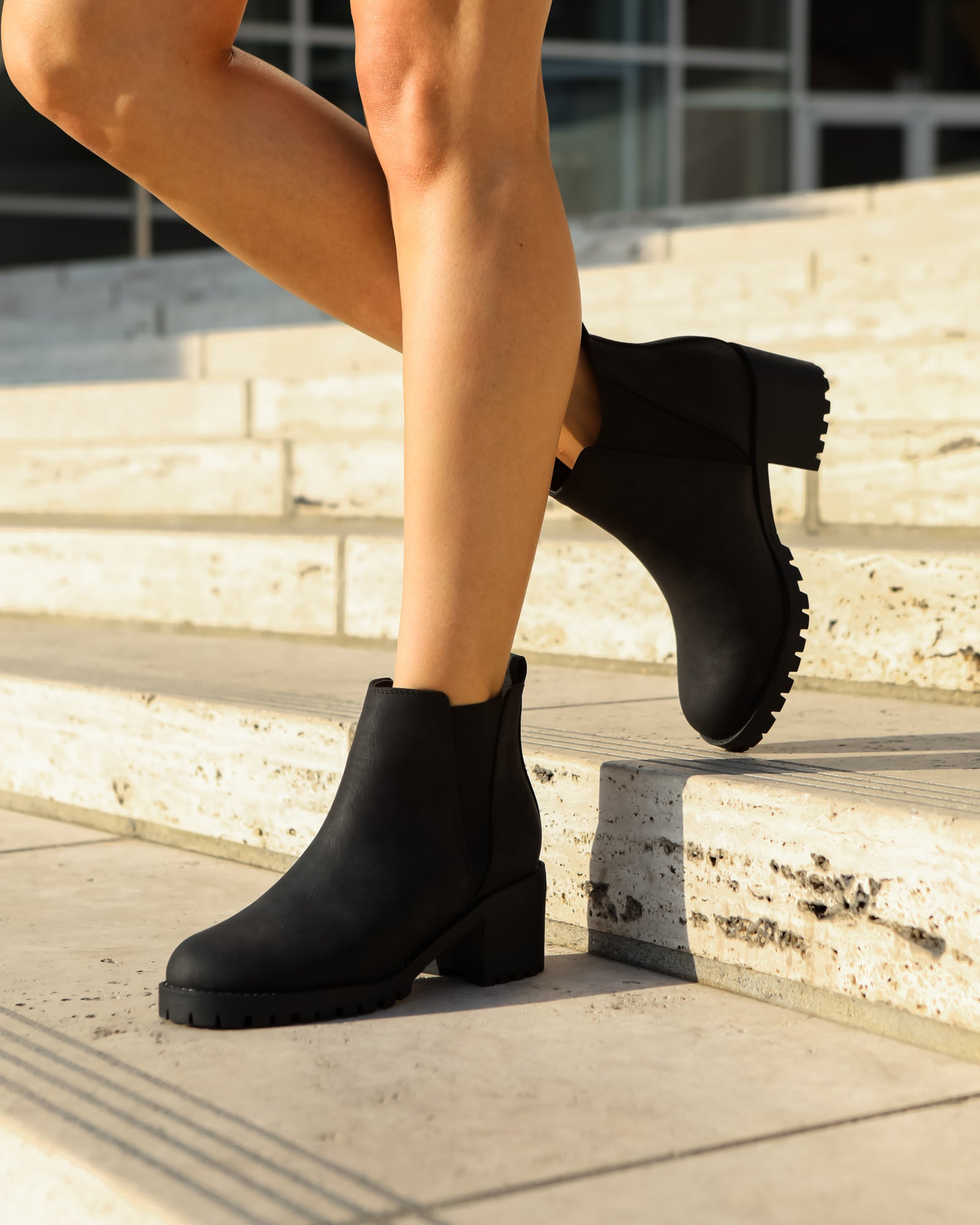 Wholesale Women's Shoes Heeled Bootie Amber NMD3