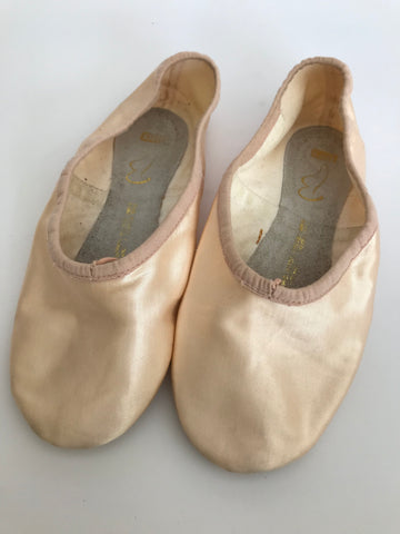 Bloch Prolite Satin Ballet Shoes (Ladies' size 3B) - Second Hand