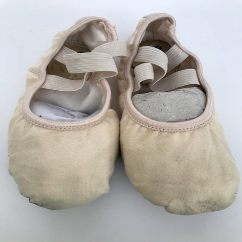Capzio Ballet Shoes (Size 5M) - Second Hand
