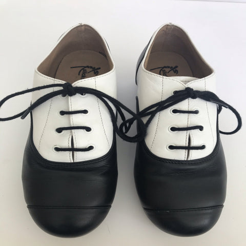Black & White Double Soled Oxford Slick Tap Shoes (Size US4) - Second Hand