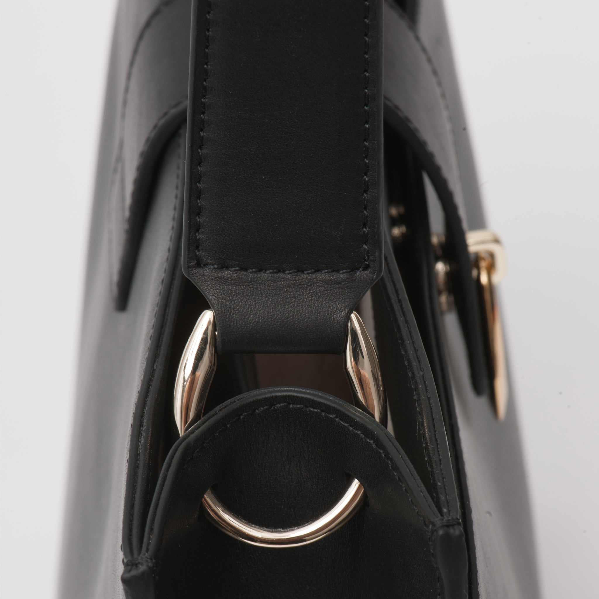 Balincourt Women's Leather Shoulder Bag Byron Bay