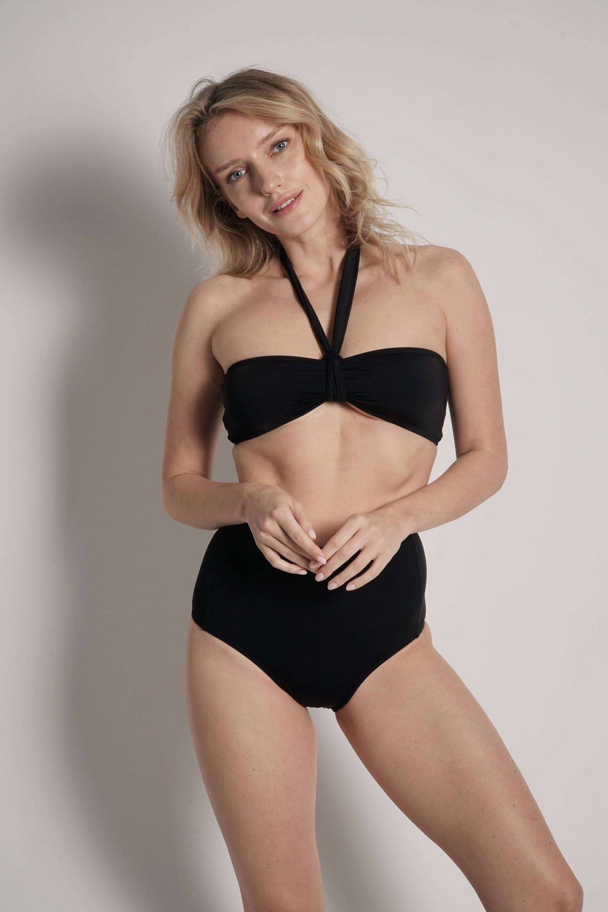Bianca bikini top in Black with straps