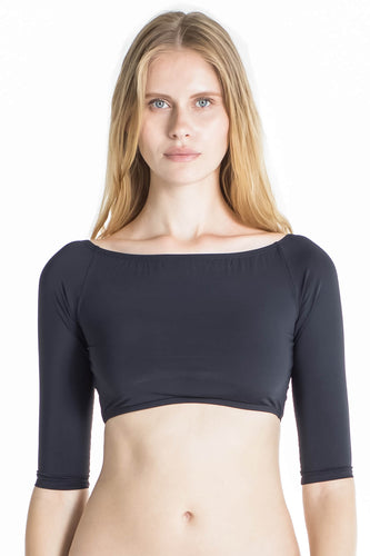 Victoria bikini crop top in Black.
