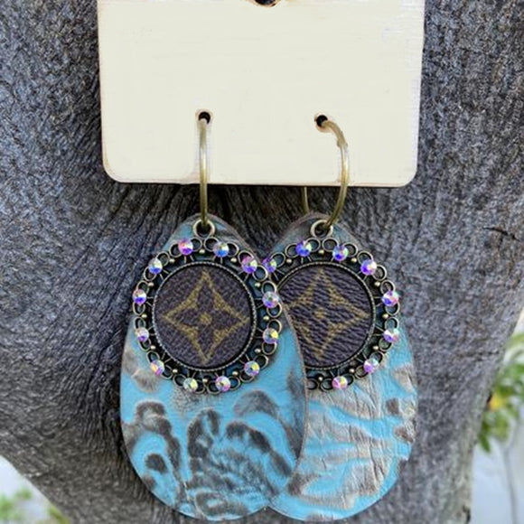 LV Leaf pattern Earrings (32139)