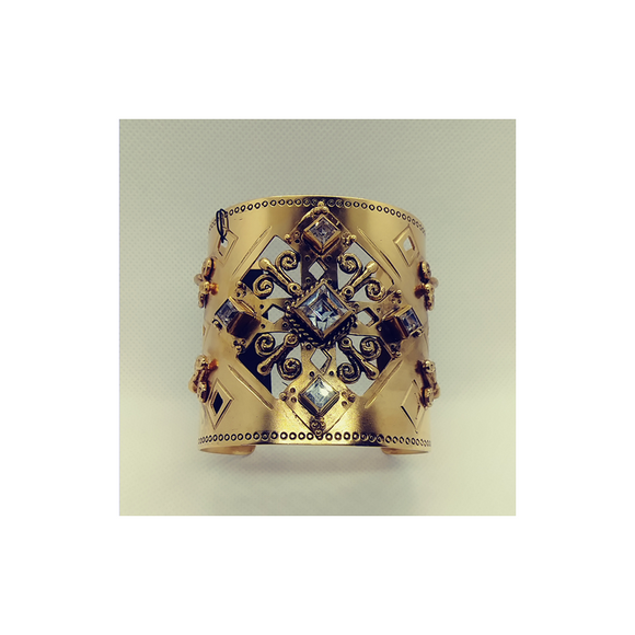The Paloma Cross Cuff (C:TPC-bg-sq1-a1)