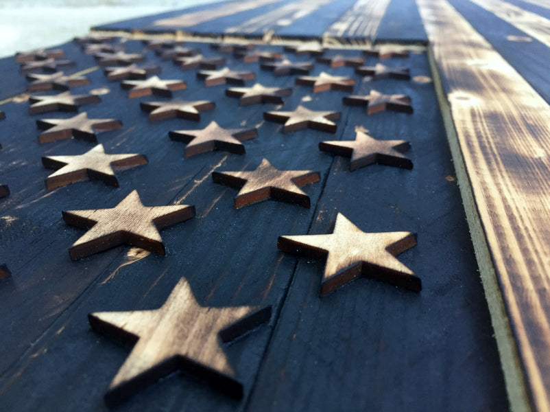 4 Reasons Why a Rustic Wooden Flag Will Make For the Perfect Holiday Gift