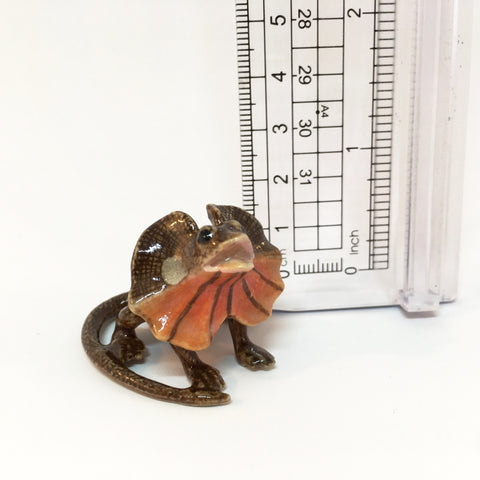 Small Miniature Ceramic Frilled Neck Lizard