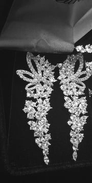 Glamorous, Dangling Bridal/Wedding Earring