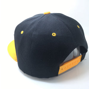 KAMINARI HAT IN BLACK WITH YELLOW BRIM