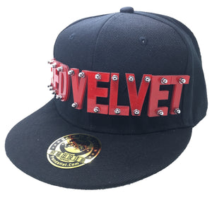 RED VELVET HAT IN BLACK