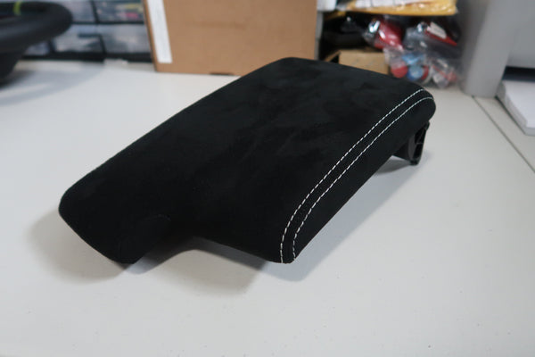 Alcantara arm rest