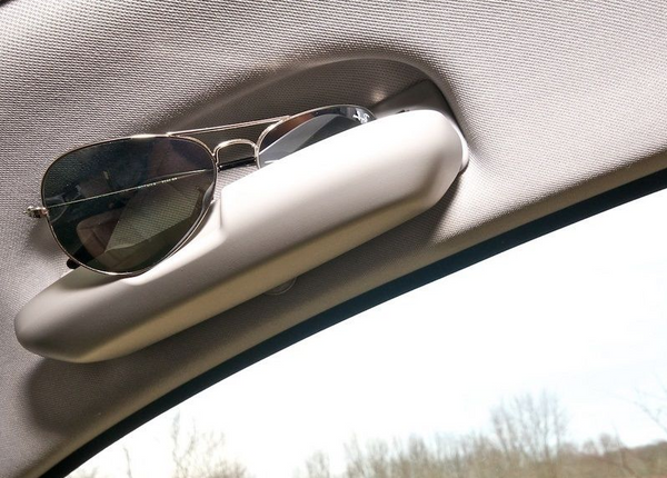 E9X Sunglass holder