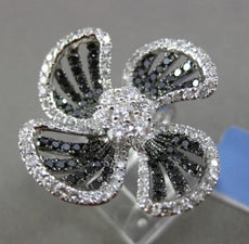 ESTATE LARGE 2.52CT WHITE & BLACK DIAMOND 18KT WHITE GOLD FLOWER COCKTAIL RING