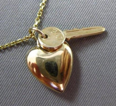 ESTATE 14KT YELLOW GOLD KEY TO YOUR HEART CHARMS FLOATING PENDANT & CHAIN #25150