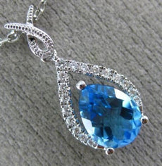 1.48CT DIAMOND & AAA PEAR SHAPE BLUE TOPAZ 14KT WHITE GOLD 3D TEAR DROP PENDANT