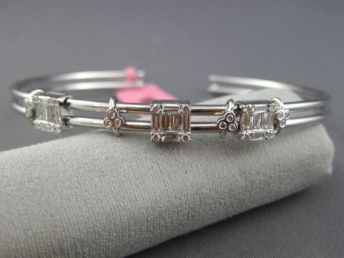 .78CT ROUND & BAGUETTE DIAMOND 18KT WHITE GOLD 3D SQUARE FLEXIBLE LOVE BANGLE