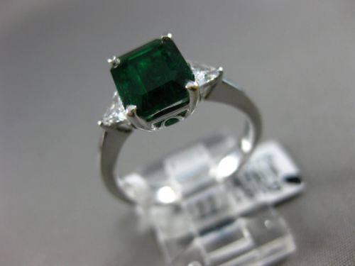 2.28CT TRILLION DIAMOND & AAA EMERALD 18KT WHITE GOLD 3D 3 STONE ENGAGEMENT RING