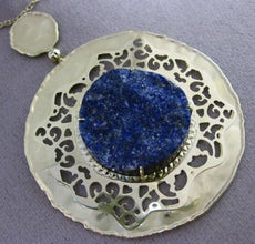 ANTIQUE LARGE & LONG SLICED SAPPHIRE 14KT YELLOW GOLD CIRCULAR FILIGREE NECKLACE