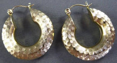 ESTATE WIDE 14KT YELLOW GOLD CLASSIC DIAMOND CUT HAMMER LOOK HOOP EARRINGS 24339