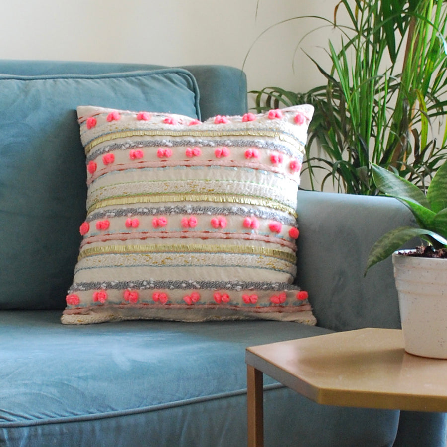 EMBROIDERED CUSHION COVERS - Neo pom pom