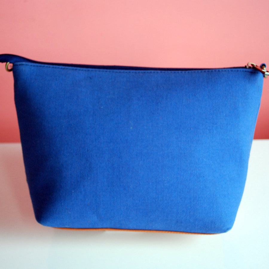 BUILDING SLING BAG- BLUE