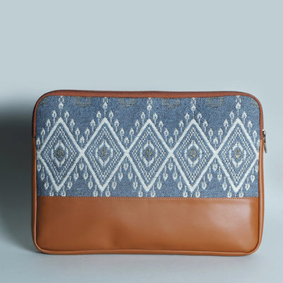 Neo Tassel Laptop Sleeve: Blue