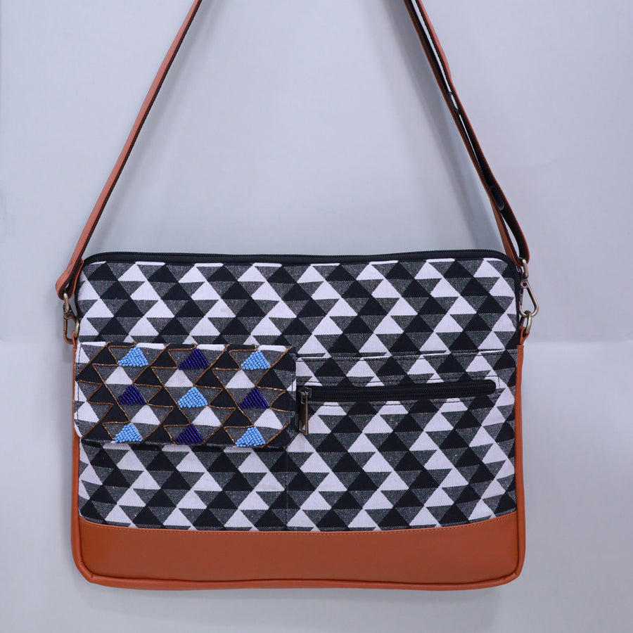 LAPTOP BAG- BLACK & WHITE ABSTRACT 13 inches